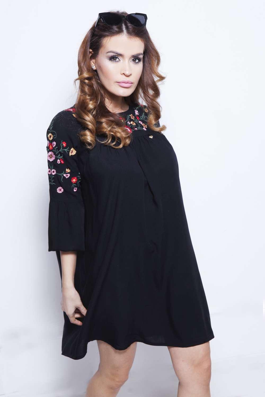 1064744d9d AMNESIA Fekete virágos ruha - Amnesia webáruház