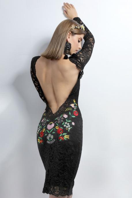 AMNESIA Appemi hátul hímzett ruha fekete